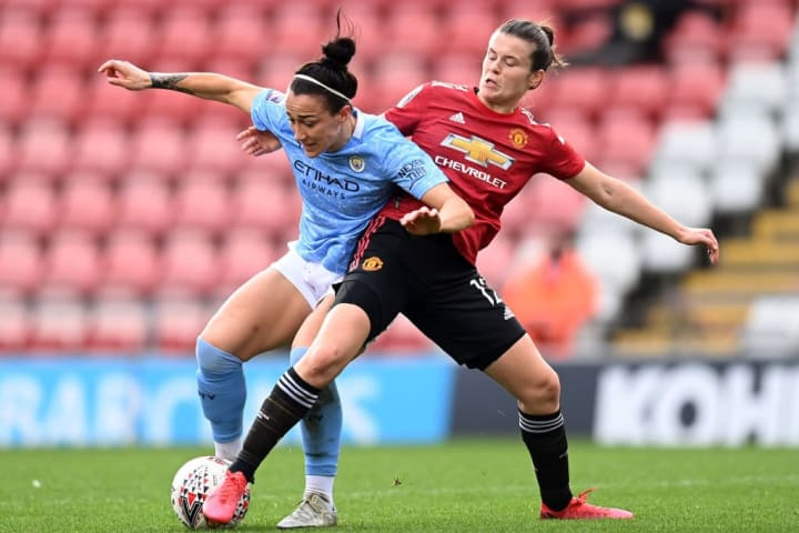 Hayley Ladd signs new Man Utd contract until 2023