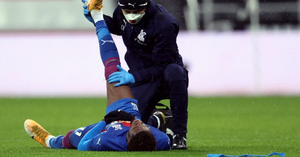 Hodgson points to history for lift as Crystal Palace deal with Zaha woe