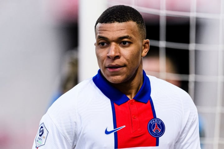 Kylian Mbappe's contract situation & Real Madrid's plan to sign him