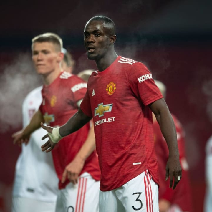 Manchester United in new contract talks with Eric Bailly