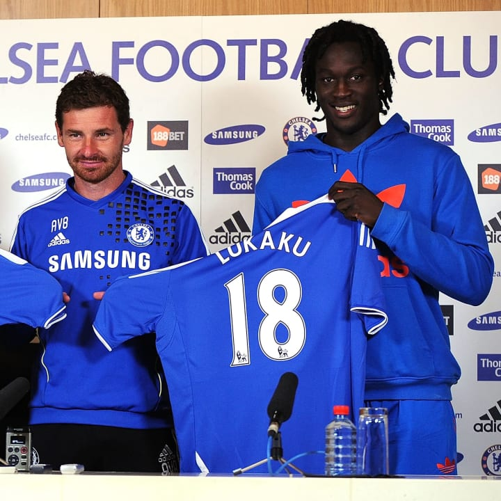 Chelsea must focus their attention on re-signing Romelu Lukaku