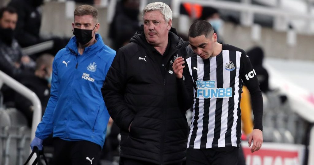 Open warfare looms as Newcastle players round on wantaway star