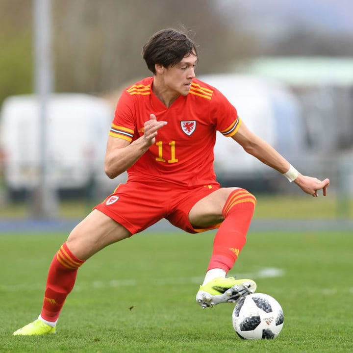 Leicester City 'close' to signing youngster Chris Popov from Manchester United