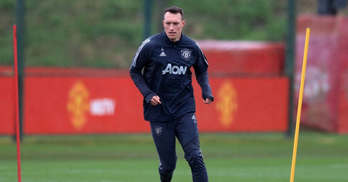 Frustrated Bruce looks to second Man Utd raid to spring Newcastle into action